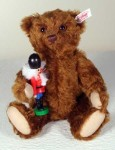 TEDDY WITH NUTCRACKER EAN 037955